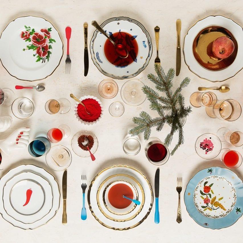 La tavola di capodanno scomposta