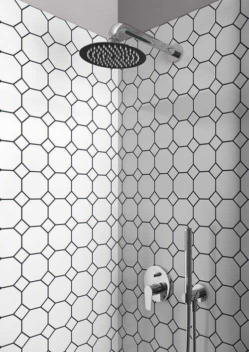 Una doccia di design con il soffione firmato Ponsi