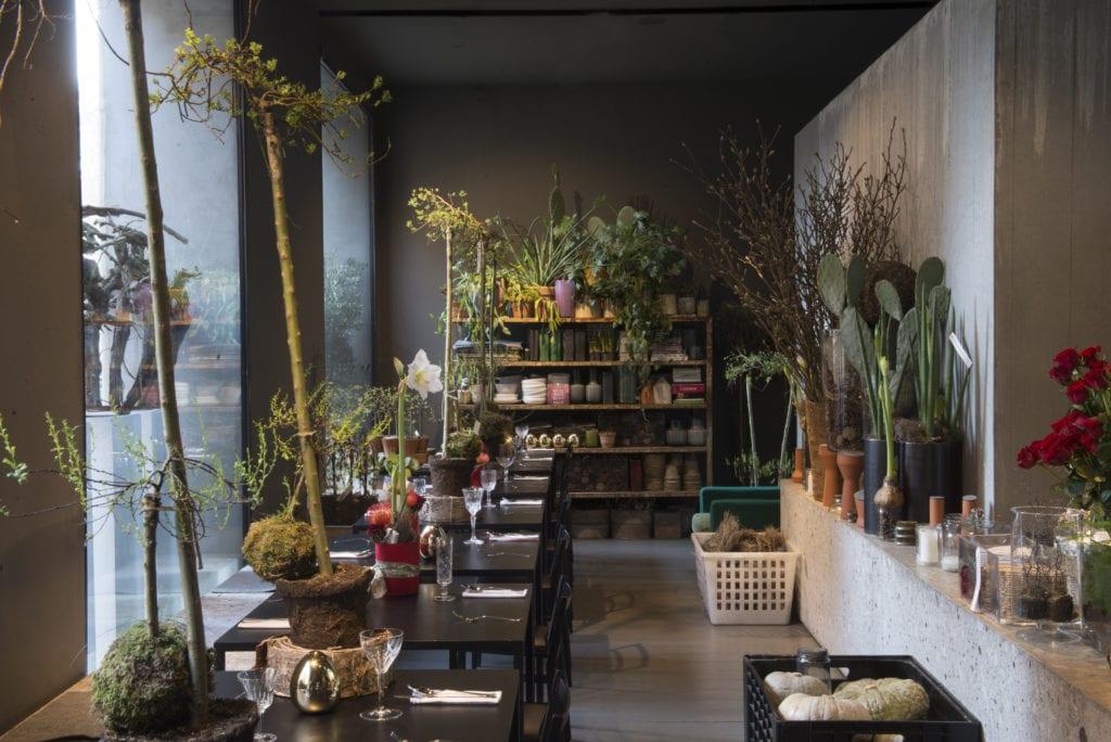 Locali alla moda milanesi e le ambientazioni fantastiche di POTAFIORI