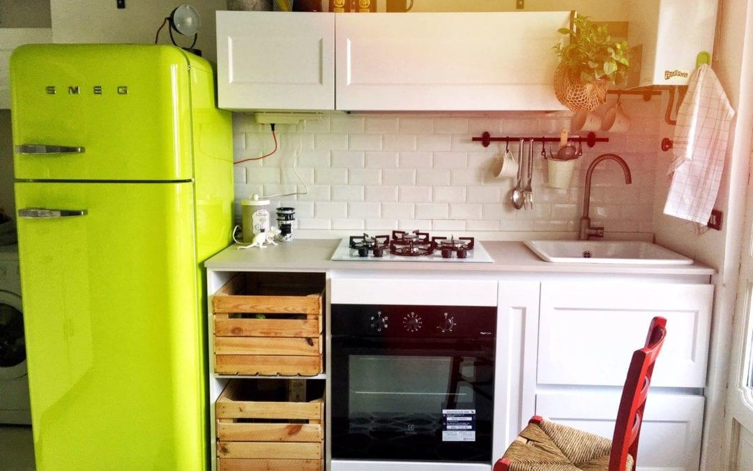 La nuova cucina di Cecilia: linee nordic e calore vintage