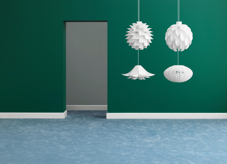 Tra le idee per la camera da letto, i lampadari di Normann Copenhagen