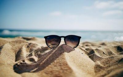 Rinfrescarsi con stile: i trucchi del designer in estate