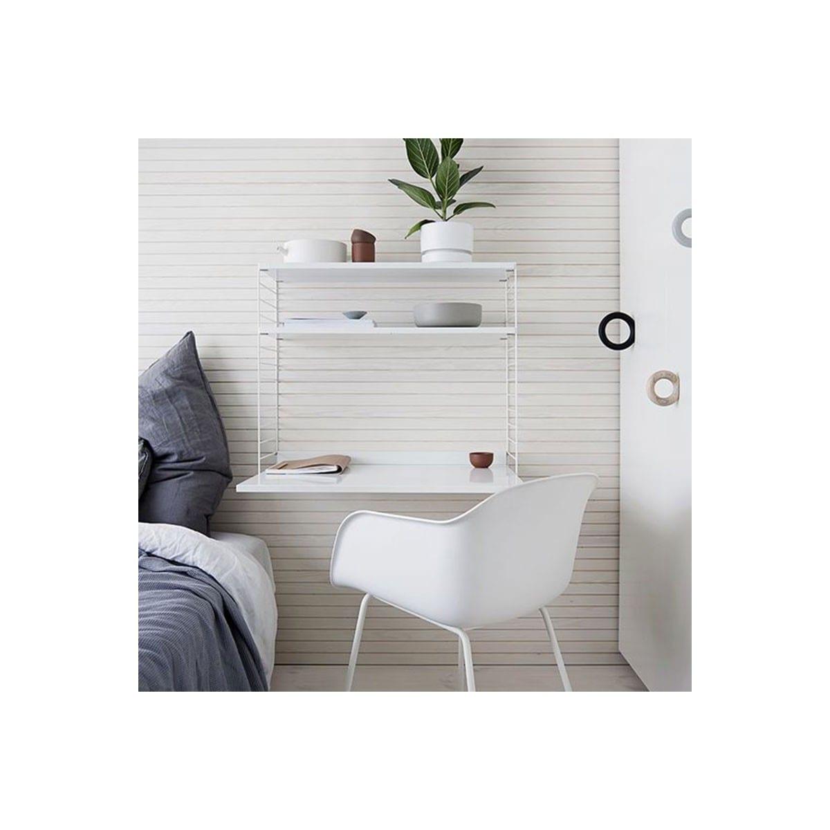 Idee per la camera da letto: la libreria STRING