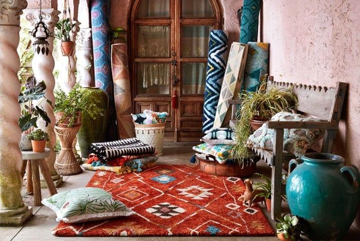 Oriental vibes per un patio dal design marocchino